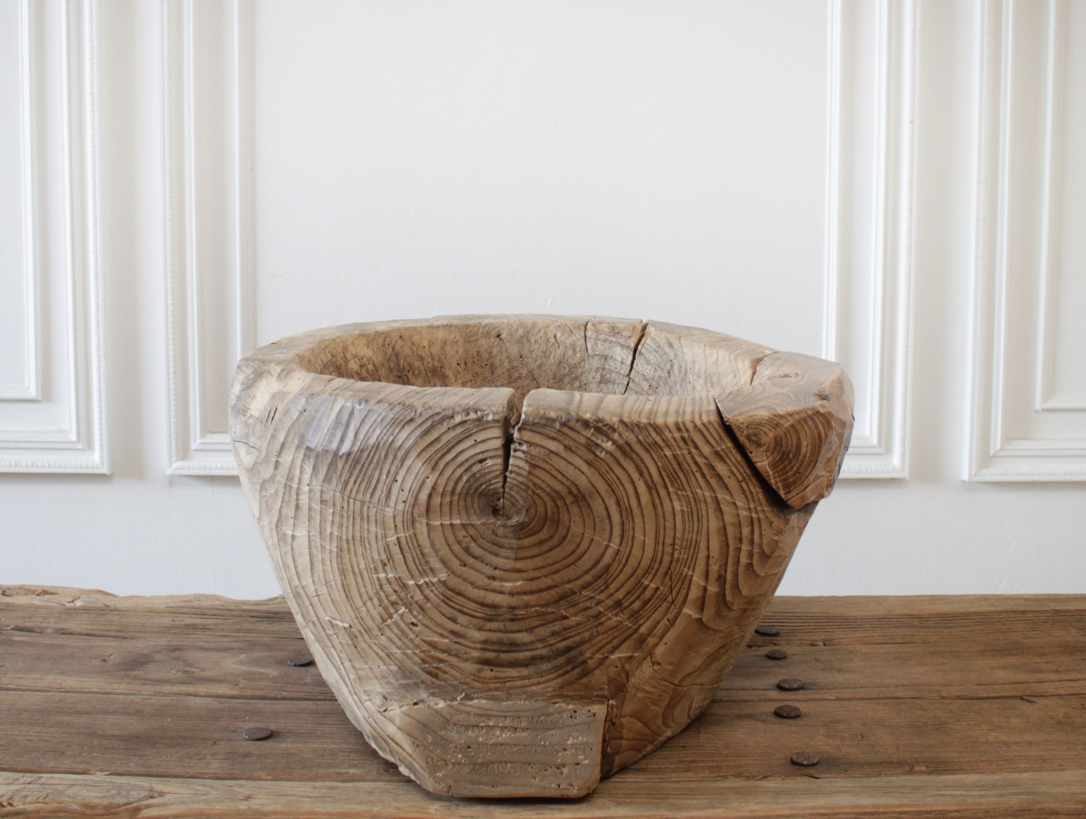 Primitive Rustic Style Tree Trunk Wood Bowl