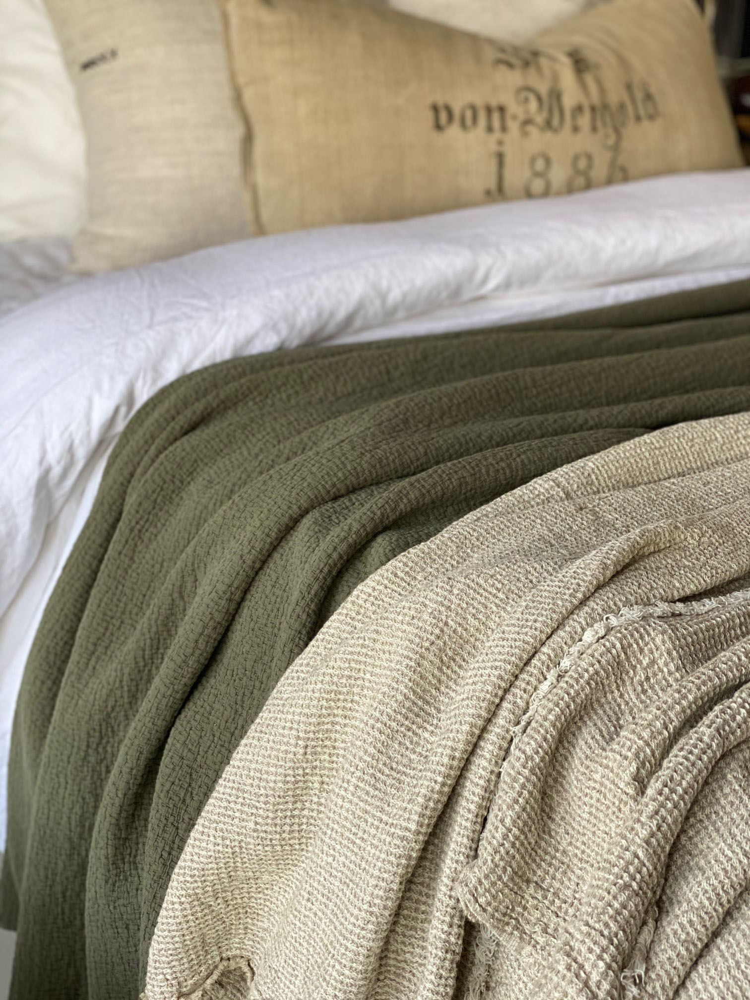 Vera Waffle Blanket